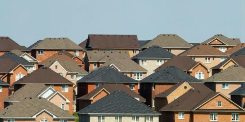 8 Warning Signs That Your Roof Is Shot